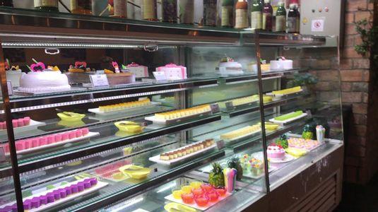 Buffet nhiều món, sang trọng, chất lượng tốt