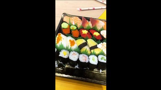 Quầy sushi đa dạng
