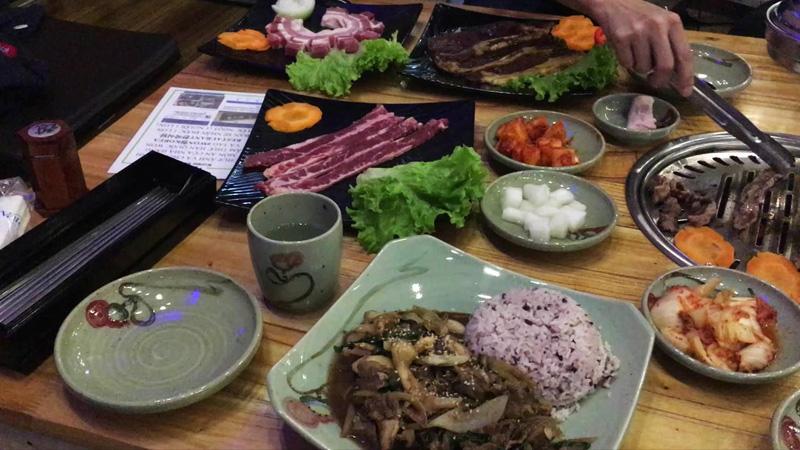 Nhà Hàng Hàn Quốc chuẩn vị chuyên phục vụ khách Hàn