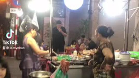 Bún Bò Dì Chung
