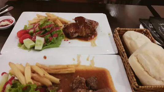 Beefsteak TiTi - Nguyễn Thị Minh Khai