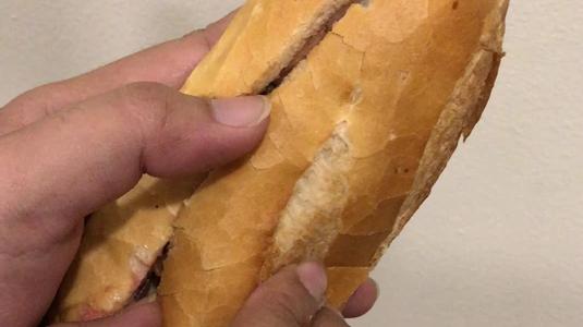 Bánh Mì Heo Quay 109
