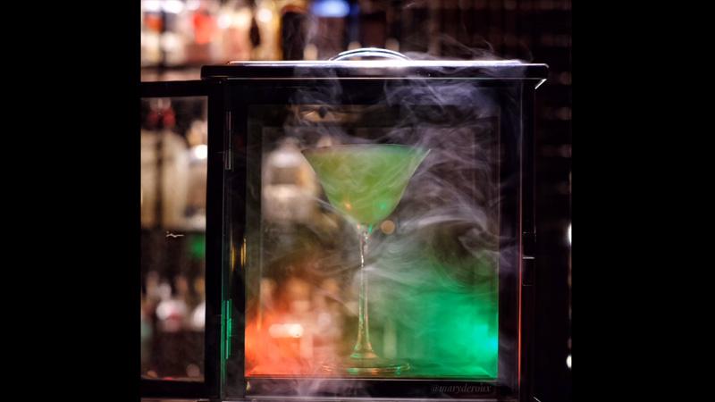 Drinking & Healing - Cocktail Bar