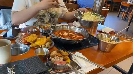 Dookki***- Lẩu & Buffet Tokpokki