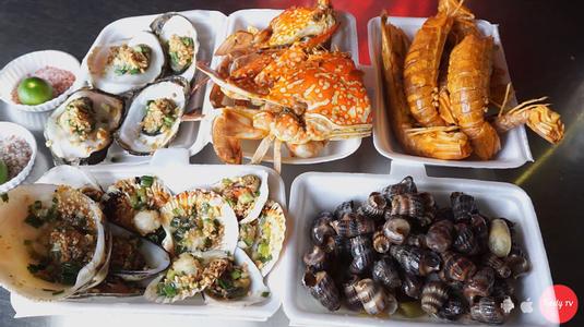 Oanh tạc chợ hải sản siêu hoành tráng