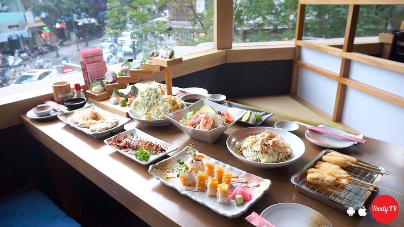 Nhà hàng Nhật sang trọng, menu phong phú