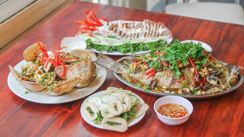 Thiên đường hải sản tươi sống độc nhất đường biển Nguyễn Tất Thành