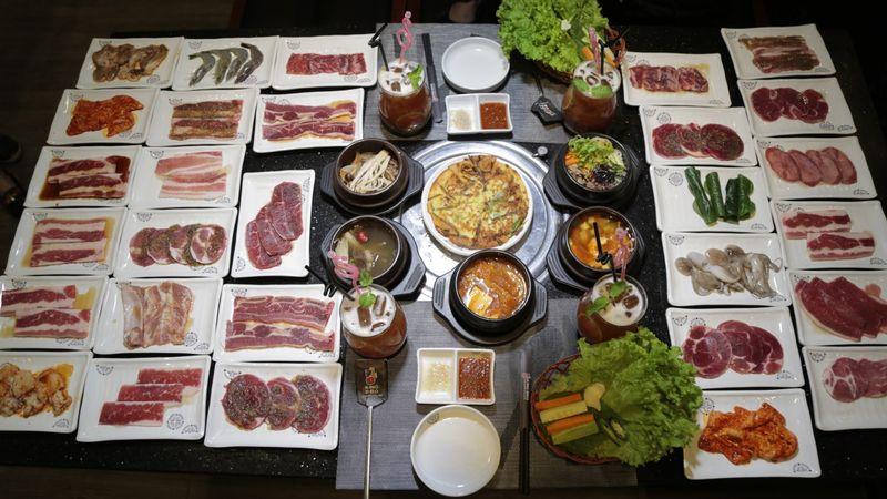 Thưởng thức buffet thịt nướng nổi tiếng Hàn Quốc đêm Giáng sinh