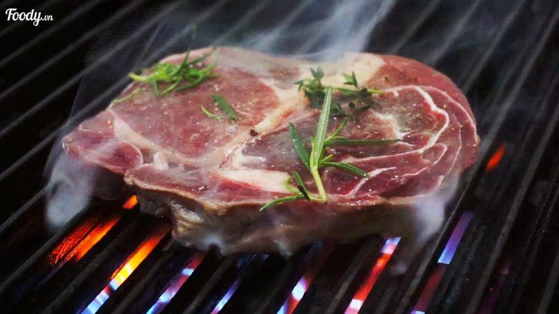 """Mê mẩn suất """"BEEFSTEAK CHỈ 78K"""" thịt mềm sốt đậm gần khu trung tâm"""