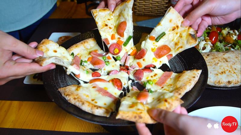 """Chúng ta cùng """"ĐI ĂN PIZZA"""" vì checkin """"SẼ ĐƯỢC TẶNG COCA""""]"""