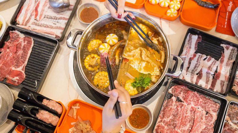 """Chén kiệt sức """"BUFFET LẨU NHÚNG THỊT RÃ TAY"""" hot nhất Sài Gòn cập bến Đà Thành"""