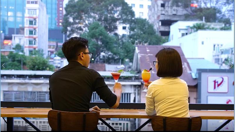 """[Hẹn hò ăn tối lãng mạn """"SANTORINI THU NHỎ"""" xuất hiện giữa SG]"""